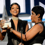 "VIDEO: Rihanna – Diamonds & Icon Award ""Full Performance"" American Music Awards 2013"