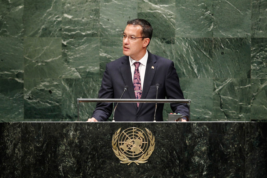 Foreign Minister Nickolas Steele of Grenada addresses the General Assembly. UN Photo/Kim Haughton