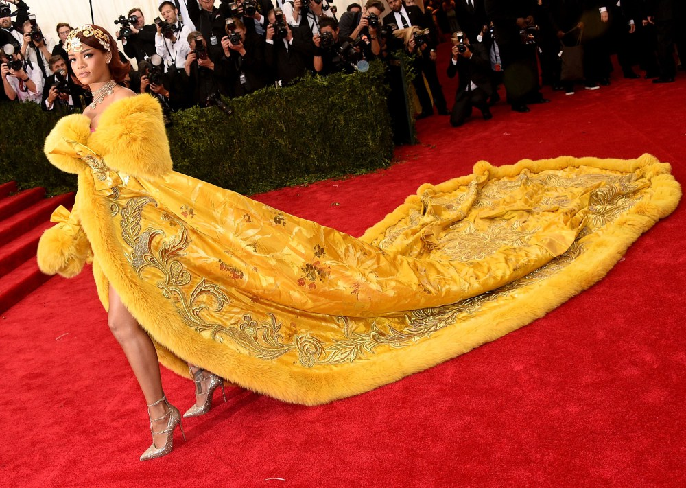 "NEW YORK, NY - MAY 04:  Rihanna attends the ""China: Through The Looking Glass"" Costume Institute Benefit Gala at the Metropolitan Museum of Art on May 4, 2015 in New York City.  (Photo by Larry Busacca/Getty Images) ORG XMIT: 551925653 ORIG FILE ID: 472230422"