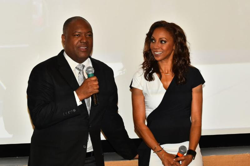 Rodney Peete and Holly Robinson Peete answer questions from the press in attendance.