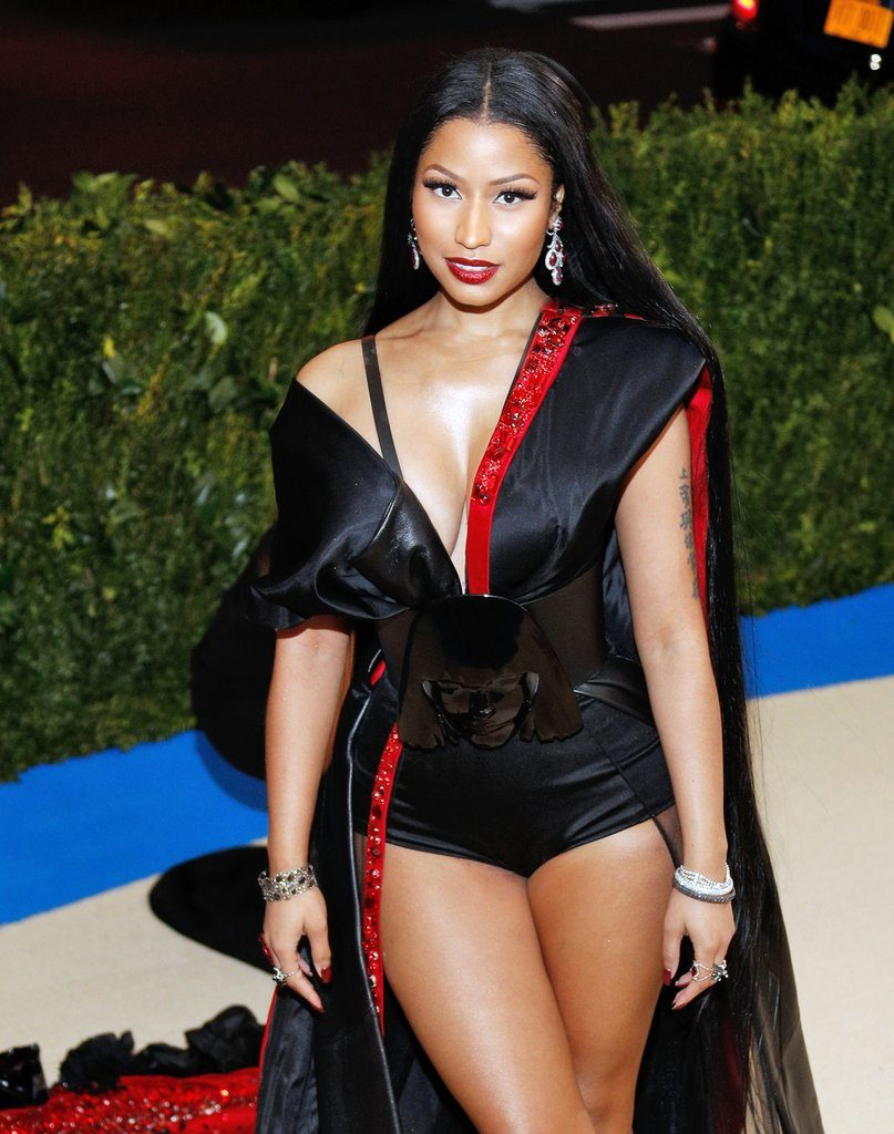 Trinidadian Rapper Nicki Minaj Rocks a Custom H&M Dress paying homage to the night's theme
