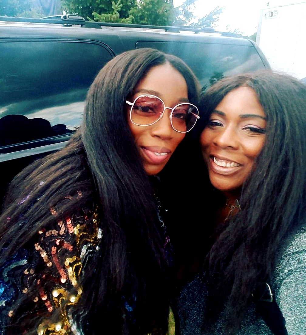 Estelle and Red Carpet Shelley at Groovin' in the Park 2017